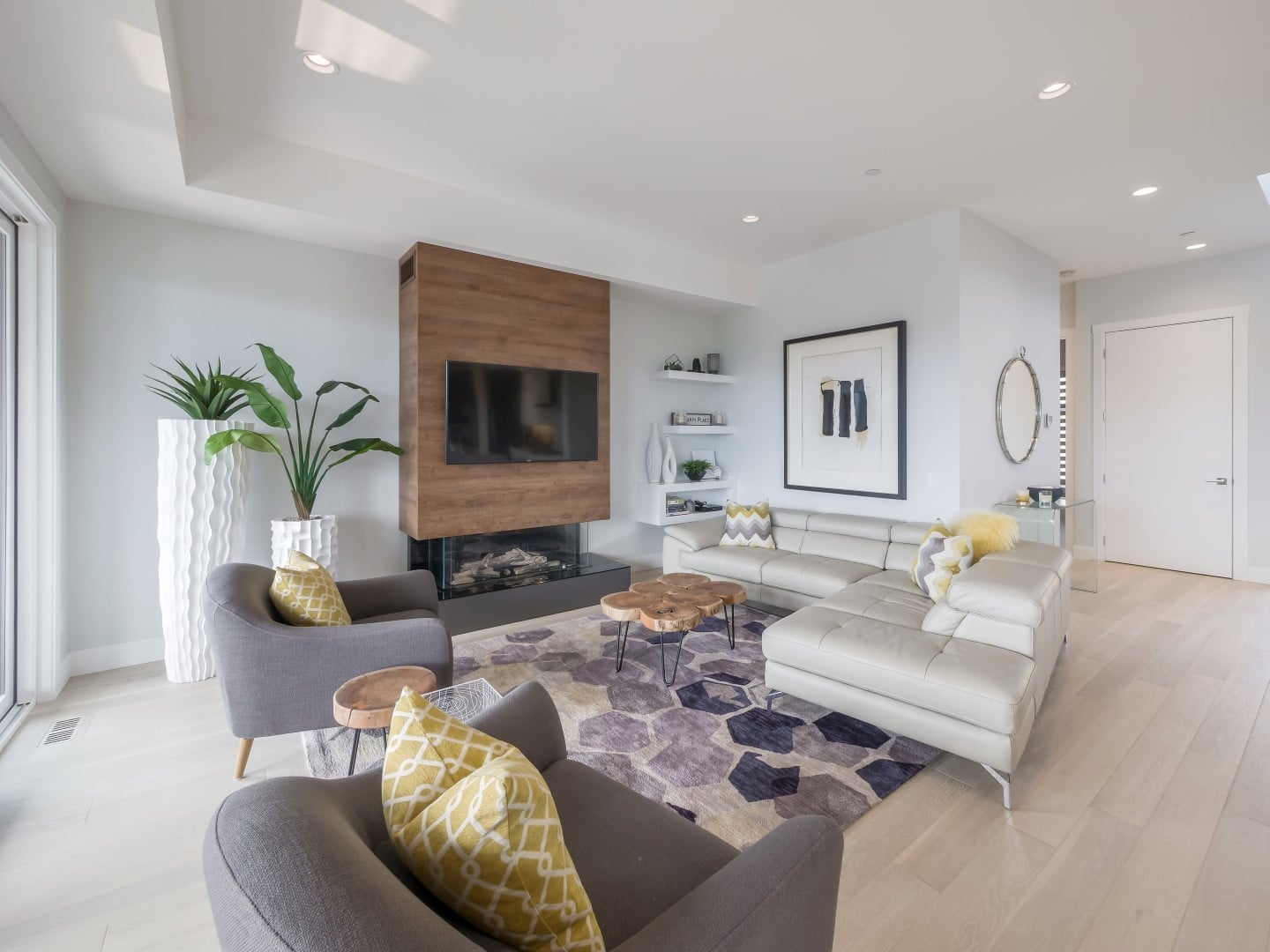 Crystal Waters - Stein (9) - Open concept living room