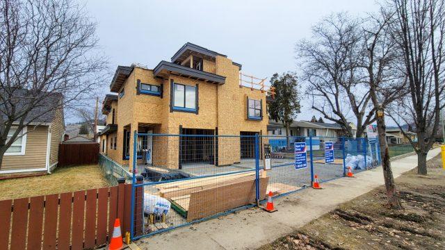 794 Martin Avenue – Windows Are In
