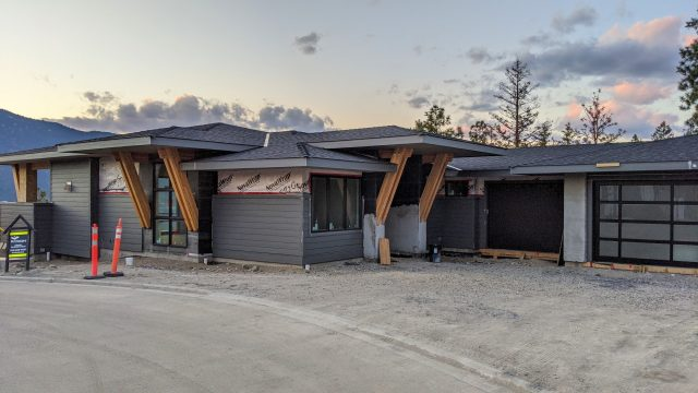 McKinley-Beach-Lot9-Garage-Doors-In