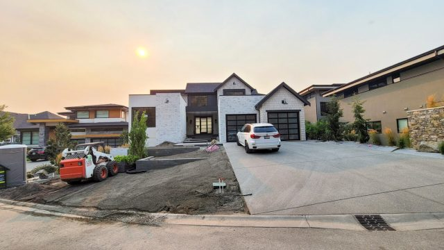 Red Sky Court Lot 75 – Landscaping Has Started