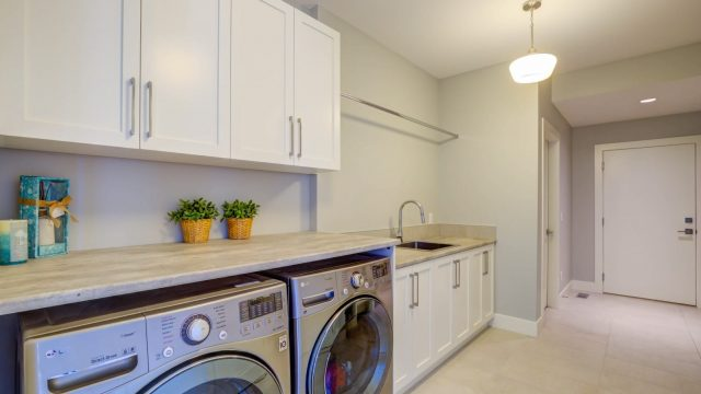 Rocky Point Wilden, Lozinski (11), Large Laundry Rooms